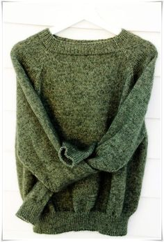 Ingen Dikkedarer-genser Goddess Dress, Wool Sweaters, Sweater Weather, Chic Outfits, Kimono Cardigan, Knitwear, Sweaters For Women, Jumpers, My Style