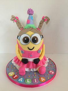 girly minion cake Superhero Birthday Cake, Cupcake Birthday Cake, Minion Birthday, Birthday Cake Girls, Cupcake Cakes, Girl Minion Cake, Minion Cupcakes, Lego Cake, Cake Minecraft