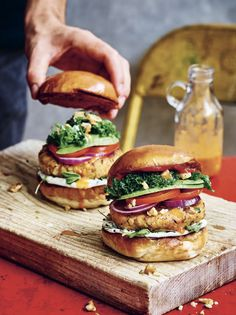 A beautiful burger that won't make you feel guilty after eating it. This is both protein- and flavour-packed, a winning combination! #PlantsOnlyKitchen #gazoakley #veggieburger #veganburger #veganburgers #vegan #burger #piripiri @WhiteSky_ @raincoastbooks #vegetarian #vegetarianrecipes #veganrecipes Heart Healthy Recipes, Vegetarian Recipes, Burger Recipes, Vegan Burgers, Salmon Burgers, Peanut Butter Banana Bread, Piri Piri, Canned Chickpeas, Coriander Cilantro