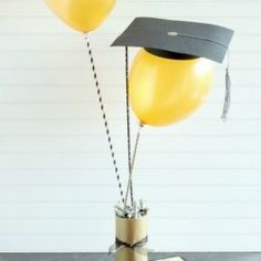 Graduation season is almost here and whether you have a preschool graduate or high school graduate this DIY Graduation Cap Balloon Gift is a fun way to celebrate your scholar! #shutterflygrad #ad #looksi