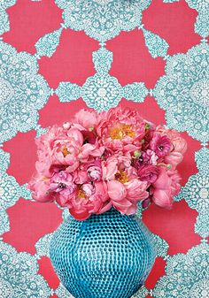 Medallion Paisley wallpaper in Pink and Turquoise - Thibaut