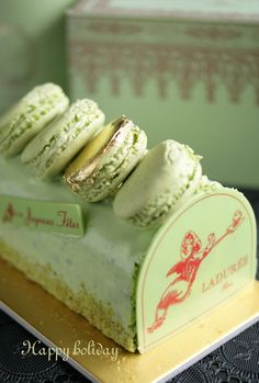 Laduree holiday cake