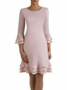 Precioso vestido de fiesta hou van die lint om die kante sal net nie 3 rye fabric onder he nie langer rok met 2 layers Simple Dresses, Elegant Dresses, Day Dresses, Pretty Dresses, Evening Dresses, Short Dresses, African Fashion Dresses, African Dress, Beautiful Outfits