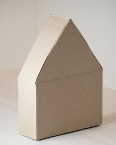 Cereal box house tutorial - perfect accent decoration for the girls' room!