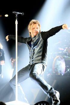 Austin TX April 10, 2013...his famous strut!!!! can't wait to see him strut again!!!!