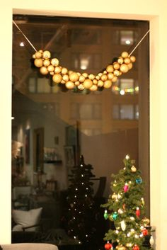 DIY Christmas Ornament Garland DIY Crafts
