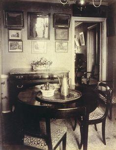1910 interior.