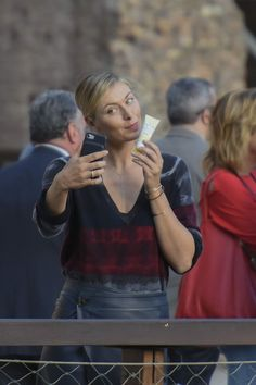 maria-sharapova-out-and-about-in-rome