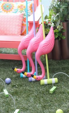 DIY Alice in Wonderland Croquet Set! A perfect game for a fun summer day spent outside with family and friends… plan an Alice in Wonderland party! Alice In Wonderland Croquet, Alice In Wonderland Birthday, Alice In Wonderland Flamingo, Alice In Wonderland Tea Party Ideas, Alice In Wonderland Decorations, Mad Hatter Party, Mad Hatter Tea, Mad Hatter Birthday Party, Baby Birthday