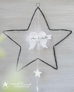Christmas World, Christmas Diy, Merry Christmas, Diy And Crafts, Christmas Crafts, Christmas Decorations, Paper Feathers, Christmas Aesthetic Wallpaper, Christmas Inspiration