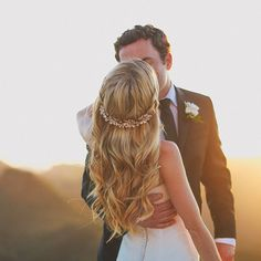 Gorgeous #Wedding Hairstyles (New!). To see more: http://www.modwedding.com/2014/06/11/gorgeous-wedding-hairstyles-2/ Featured Hairstylist: Fiore Beauty; Featured Photographer: Max Wanger;