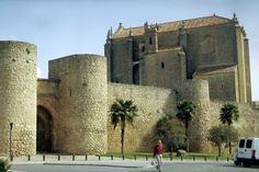 Ronda, Puerta de Almocábar und Espíritu Santo