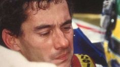 Senna raramente estava sem o capacete no grid de largada. Ercole Colombo fotografou o piloto poucos momentos antes da partida de seu último…