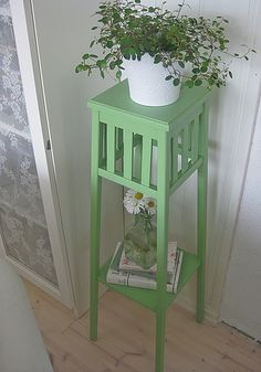Indoor greenery. I have one similar to this, painted pink #flowers