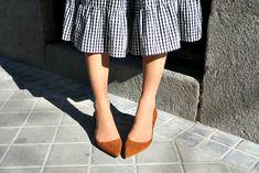 #dress #sexy #fetishpantyhose #pantyhosefetish #legs #heels #blogger #stiletto #pantyhose #collant #sexilegs #tan #pumps