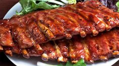 Are you wondering how to barbecue ribs? Check out this article and learn all you need to know about how to barbecue ribs. Baked Ribs, Oven Baked, Costillitas Bbq, Smoked Pork Ribs, How To Cook Lamb, Zesty Sauce, Bolet, Food Film, Salsa Picante