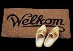 Welkom! de klompen her ken ik (gelukkig) maar genoeg, ook de mat is er ook nu nog volop lbxxx