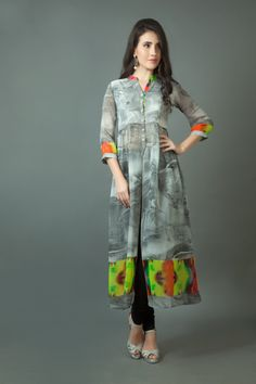 W15-115 - Digital print georgette kurti Casual Formal Dresses, Simple Dresses, Work Dresses, Indian Attire, Indian Wear, Pakistani Outfits, Indian Outfits, Ethnic Fashion, Indian Fashion