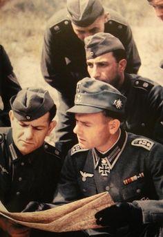 ✠ Rudolf Schlee (10 November 1913 – 19 June 1979) RK 23.10.1941 Oberfeldwebel Zugführer i. d. 6./Geb.Jäg.Rgt 13 4. Gebirgs – Division [222. EL] 06.04.1943 Oberfeldwebel Zugführer i. d. 6./Geb.Jäg.Rgt 13 4. Gebirgs – Division