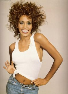Whitney Houston, oh how I loved you! So sad you turned to drugs and now have left us :( RIP my darling Whitney 😢 Divas, Girl Bands, Billboard Music Awards, Britney Spears, Beautiful Black Women, Beautiful People, Hip Hop, Fashion Mode, Music Icon