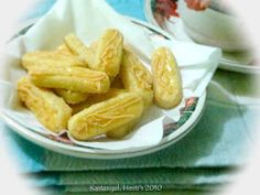 HESTI'S KITCHEN : yummy for your tummy: Kastengel Snack Recipes, Cooking Recipes, Snacks, Chips, Meat, Food, Kitchen, Snack Mix Recipes, Appetizer Recipes