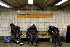 Número de moradores de rua em Nova York atinge recorde: já são 60 mil pessoas sem-teto vivendo nas ruas; entre eles há 25 mil crianças. Situação é bem pior do que cidades como Rio de Janeiro e São Paulo