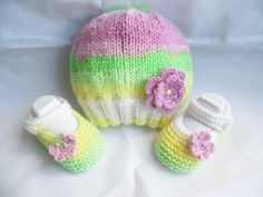 Hand knitted baby Hat and booties/shoes set by HandmadebyPrisca, £9.00