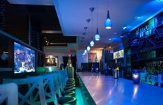 Best Sea Blue Restaurant & Wine Bar in America..............https://etacanada.wordpress.com/2017/03/21/the-best-family-restaurants-in-canada/