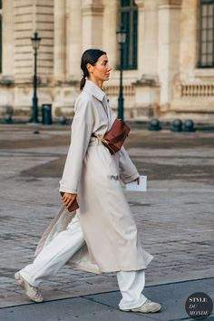 Paris Fall 2020 Street Style: Julie Pelipas - STYLE DU MONDE | Street Style Street Fashion Photos Julie Pelipas Trendy Outfits, Summer Outfits, Fashion Outfits, Polish Clothing, Streetwear, White Trench Coat, Street Looks, Sneakers Street Style, Julie