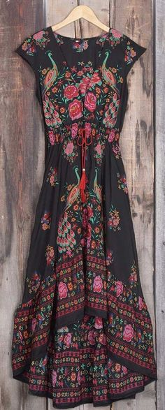 Take this Vintage style with $24.99 Only+free shipping&easy return! This vivid floral printing dress is detailed with button up V-neck design&high low skirt&tie at waist! Show it off with Cupshe design!