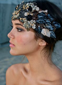 Yes, There Are Ways To Wear Headbands And Not Look Like Blair Waldorf Different ways in which you can style hair of all lengths with different headbands and achieve chic and elegant hairstyles. #headbands #hairpieces #romantichairstyles #hairinspo #bohostyle