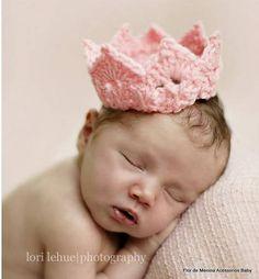 Coroa em crochet para fotos de newborns, Fazemos qualquer cor, para meninos e meninas. Favor informar tamanho da criança ou idade R$ 25,00
