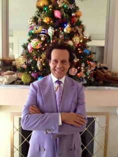 Richard Simmons- When he boldly rocked lavender by a Christmas tree. | 27 Times Richard Simmons Was Fabulous In 2013