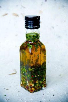 Zo maak je olijfolie met een smaakje heel makkelijk zelf | Culy.nl | Bloglovin'