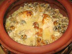 Едни от най-вкусните традиционни ястия се приготвят в глинено гърне. Вижте какви са правилата, които трябва да знаете, когато готвите в глинено гърне, и какви продукти да изберете.  Какво представлява глиненото гърне?