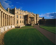 26 May - Roger returns to his alma mater, Stowe School, in Stowe, Buckingham, England for a special performance on May 26. Tickets go on sale December 5 at www.artsatstowe.co.uk or by phone at 01280 825710. For a variety of hospitality opportunities and to reserve the best seats, please contact: Chance Organisation | 020 7376 5995 | team@chanceorganisation.co.uk