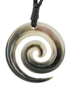 New Zealand Maori Koru Spiral Black Mother of Pearl Hand Carved Necklace New Zealand Art, Maori Art, Black Mother, Bone Carving, Diy Necklace, Spiral, Hand Carved, Pearls, Dremel