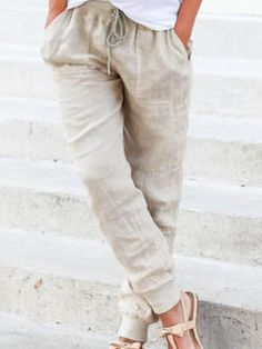 Latest fashion trends in women's Pants & Leggings. Shop online for fashionable ladies' Pants & Leggings at Floryday - your favourite high street store. Sewing Pants, Dress Sewing, Sewing Clothes, Pantalon Large, Loose Pants, Colored Pants, Simple Dresses, Easy Dress, Loungewear