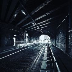 #nikon_photography #blackandwhite #se1 #cityrambler #mydarlinglondon #londonlicious #bermondseystreet #cityrambler