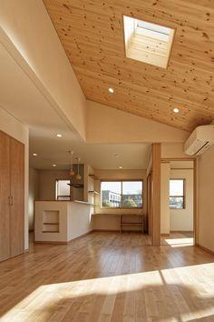 勾配天井 Interior Styling, Interior Decorating, Natural Interior, Japanese House, Nordic Design, Home Hacks, Minimalist Home, Building A House, Beautiful Homes