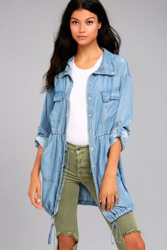 We are just going to wear the London Skies Light Blue Chambray Jacket with everything this season! Lightweight chambray shapes this cute jacket.