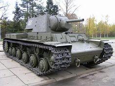 KW-1 – KV-1 – WalkAround