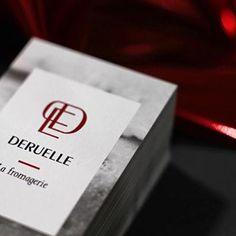 Merci @fromagerie_deruelle et @clarissebdessine de nous avoir confié la réalisation de ces cartes de visite au marquage à chaud rouge flamboyant, contrasté avec un noir offset délicat et noir à chaud profond !  #hotfoil #marquageachaud #kurz #antalis #olin #arjowiggins #artisan #red #black #businesscards #graphicdesign #cheese #imprimerie #print #offset #litho #bordeaux #bordeauxmaville