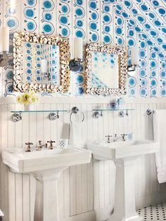 Bring the coastal beach and nautical theme to your bathroom with a vanity mirror such as these square oyster shell mirrors from Currey & Company, featured on Completely Coastal. Coastal Bathroom Decor, Coastal Entryway, Nautical Bathrooms, Coastal Decor, Shell Lamp, Rope Mirror, Antique Sideboard, Nautical Home, Decoration