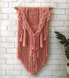 "30 отметок «Нравится», 1 комментариев — @theknottingcorner в Instagram: «My last ""Jess"" for 2017...  . . #macrame #macramewallhanging #cotton #fibreart #knots #rope #decor…»"