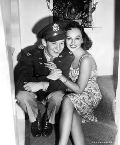 Captain Burgess Meredith, U.S. Army Air Corps, and his wife, Paulette Goddard in 1944