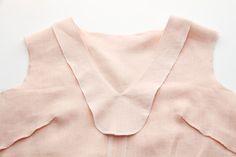 megan nielsen design diary: 3 ways to finish a neckline facing // A Dove blouse tutorial
