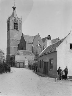 Grote Kerk van Vianen (1907), komende vanaf de Julianastraat.