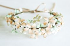 Maak van ijzerdraad en nagellak een prachtige bloemen armband voor in de lente(HANDLEIDING)