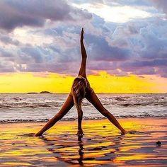 #model #ashtanga #yogapractice #asana #balance #om #poweryoga #yoginilife #yoga #yogalife #yogalove #yogini #yogisofinstagram #namaste #fit #fitfam #fitspiration #beachyoga #beach #colorful #sea...